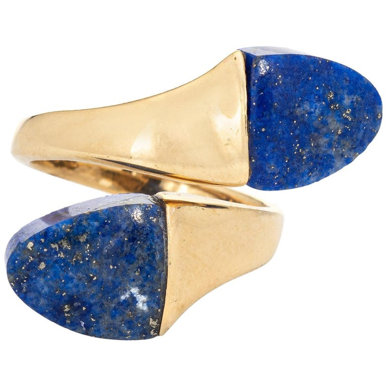 Lapis Lazuli Bypass Ring Vintage 18 Karat Yellow Gold Moi et Toi Estate Jewelry For Sale