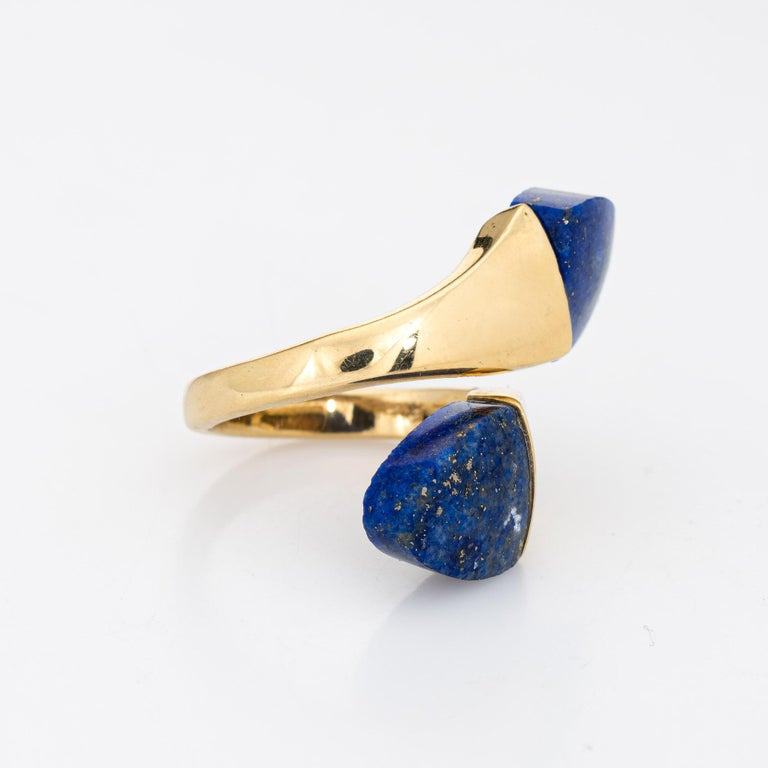 Modern Lapis Lazuli Bypass Ring Vintage 18 Karat Yellow Gold Moi et Toi Estate Jewelry For Sale