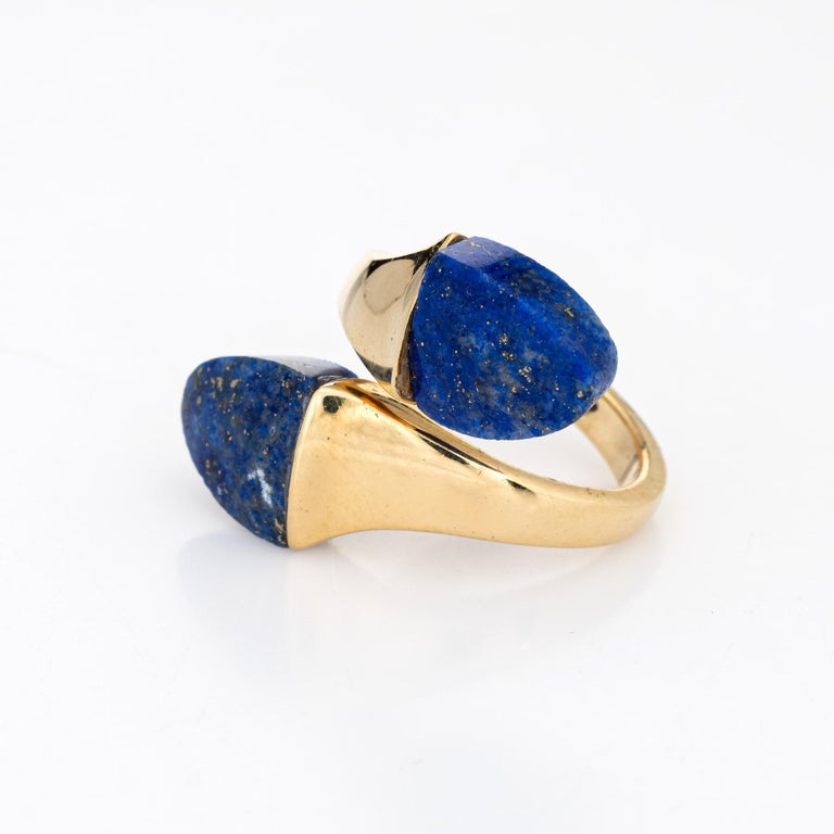 Cabochon Lapis Lazuli Bypass Ring Vintage 18 Karat Yellow Gold Moi et Toi Estate Jewelry For Sale