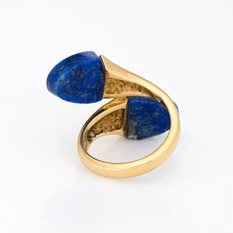 Lapis Lazuli Bypass Ring Vintage 18 Karat Yellow Gold Moi et Toi Estate Jewelry In Good Condition For Sale In Torrance, CA