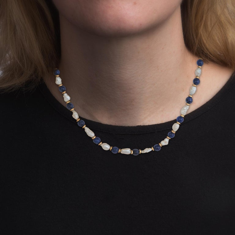 Lapis Lazuli Freshwater Pearl Choker Necklace Vintage 14 Karat Gold Estate In Excellent Condition For Sale In Torrance, CA