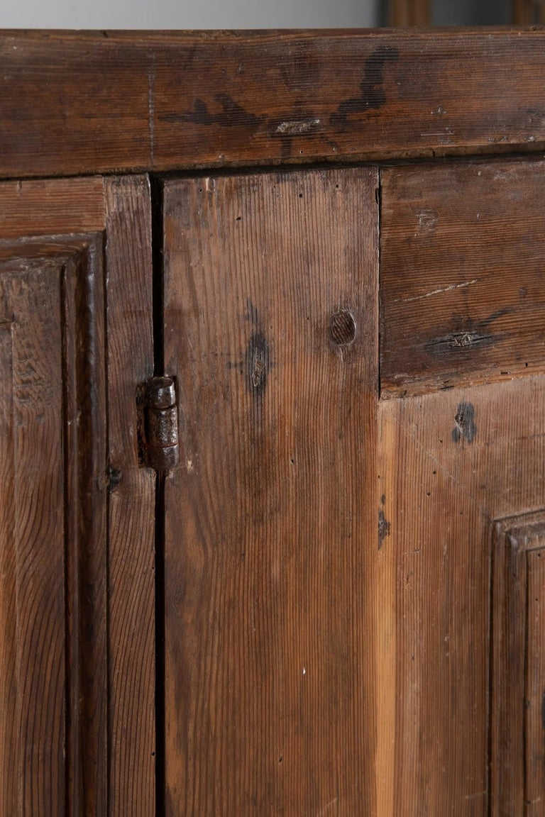 Larch Cupboard, Italy, circa 1600 For Sale 1