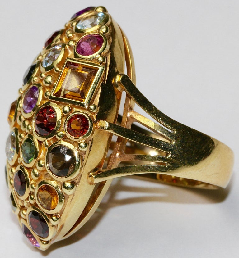 Large 14 Karat Gold Cocktail Ring Set with Aquamarine, Tourmaline, Amethyst In Excellent Condition For Sale In Berlin, DE