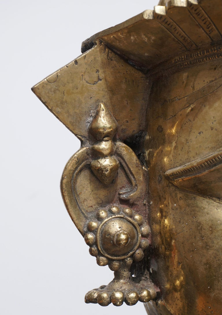 Primitive Large 17th-18th Century Indian Mukhalingam Gilt Bronze Mask For Sale
