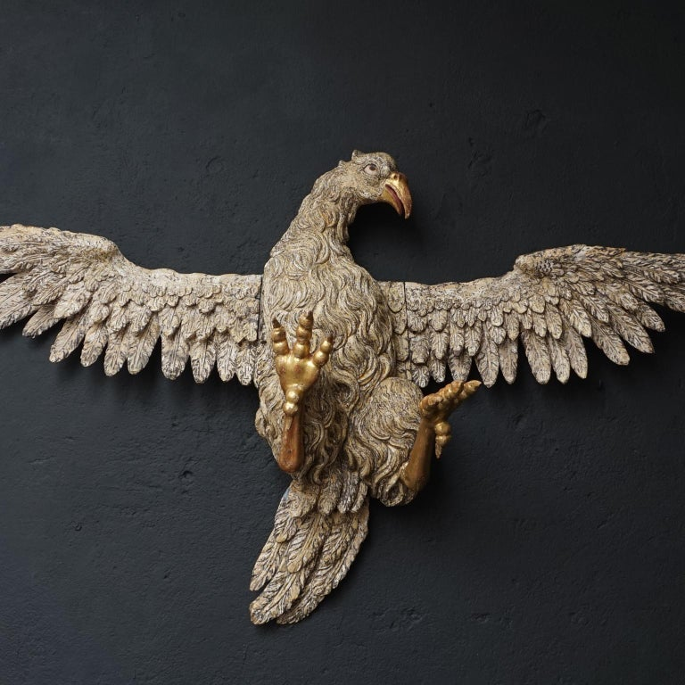 Large 17th Century hanging Italian Eagle or Bird of Prey Sculpture For Sale 6