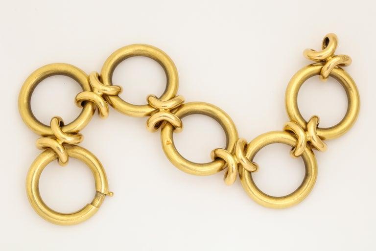 Modernist Retro Circle and Love Knot Link  18K Bracelet  For Sale