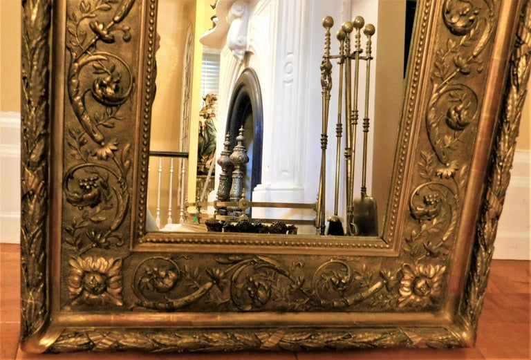 Large 18th Century Italian Gold Framed Mirror For Sale 1