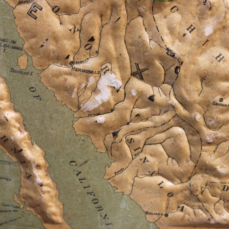 Large 1907 Vintage Relief Map of United States by Atlas School Supply of Chicago In Good Condition For Sale In Lafayette, IN