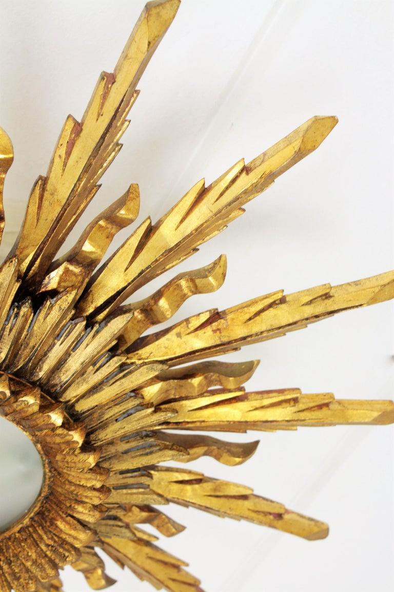 Large 1930s Baroque Gold Leaf Giltwood Sunburst Ceiling Light Fixture or Mirror For Sale 1