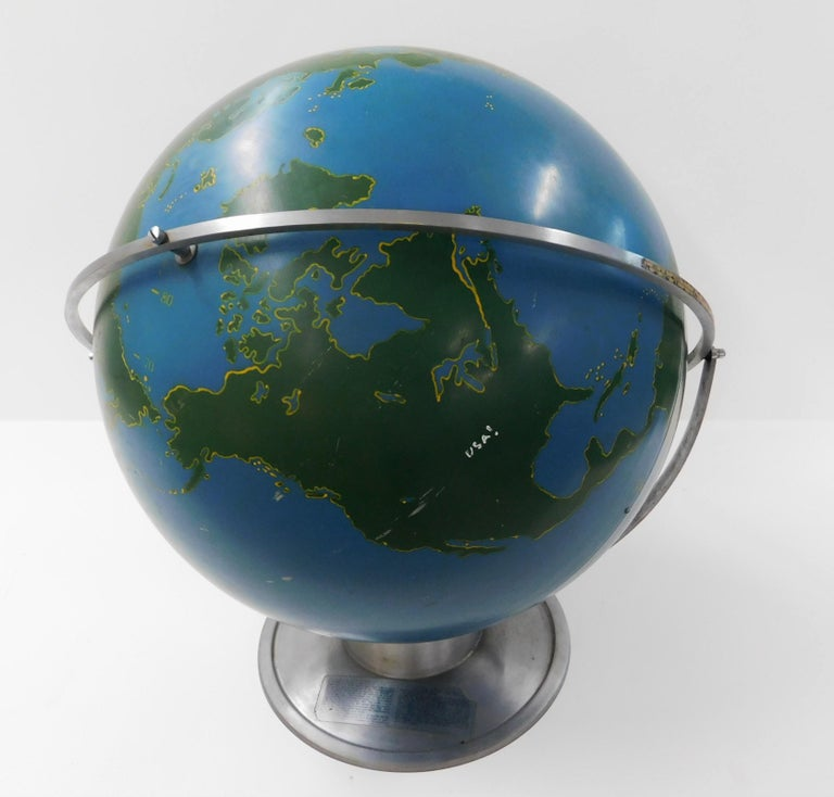 Large 1940s A.J. Nystrom Aviation Military Training Rotating World Globe USA In Good Condition For Sale In Hamilton, Ontario
