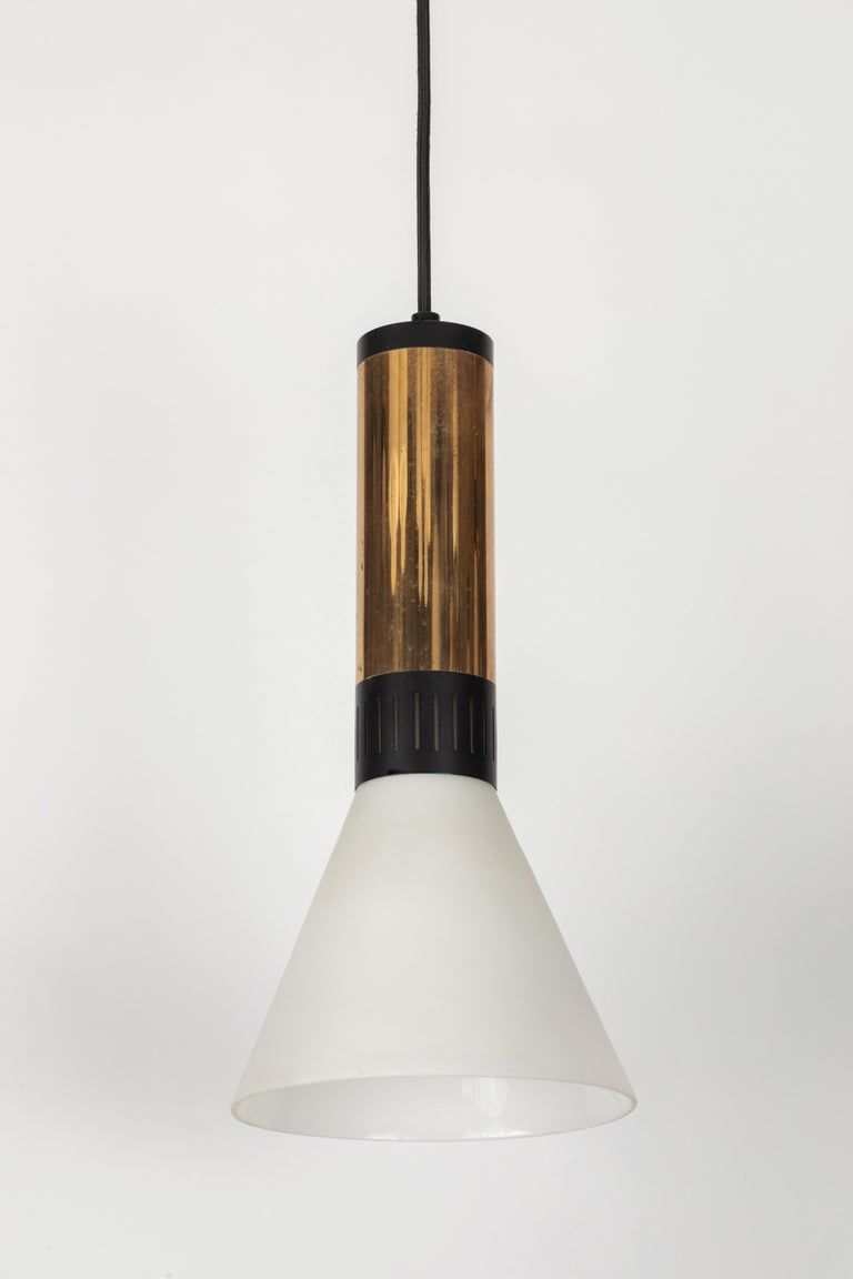 Large 1950s Stilnovo Glass and Brass Pendant For Sale 2