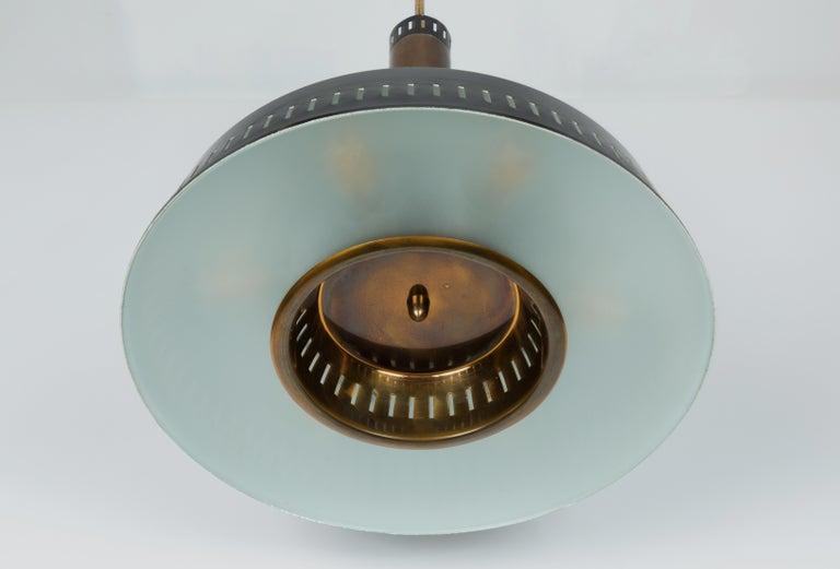 Large 1950s Stilnovo Model #1157 Brass and Glass Suspension Light For Sale 3