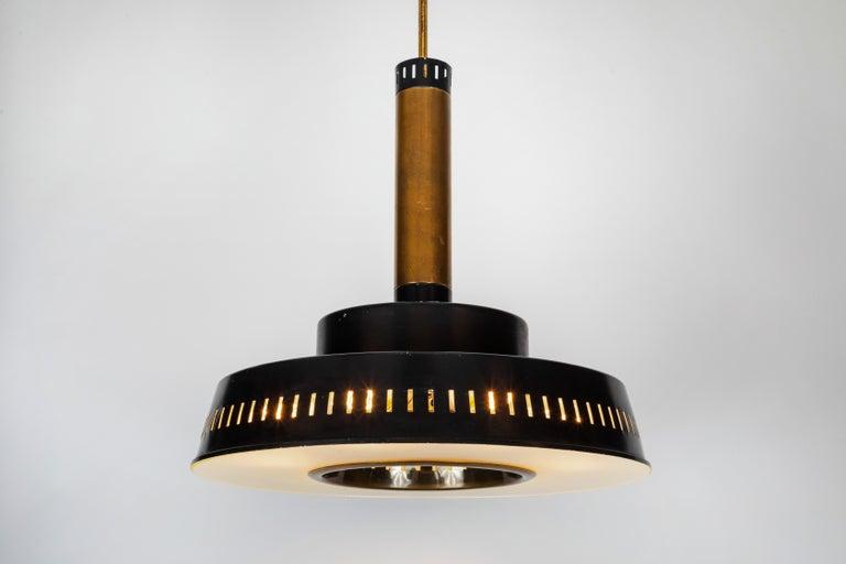 Mid-Century Modern Large 1950s Stilnovo Model #1157 Brass and Glass Suspension Light For Sale