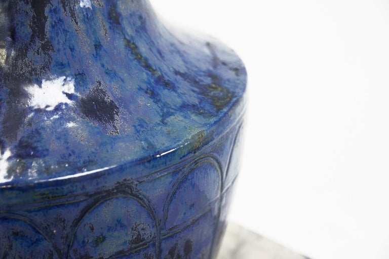 Large 1960s Blue Glazed Urn In Good Condition For Sale In Husbands Bosworth, Leicestershire