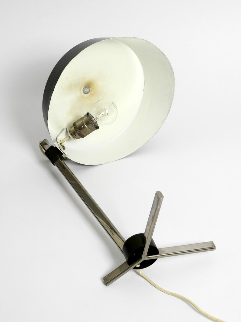 Large 1960s Industrial Aluminum Table Lamp with Height-Adjustable Shade For Sale 5