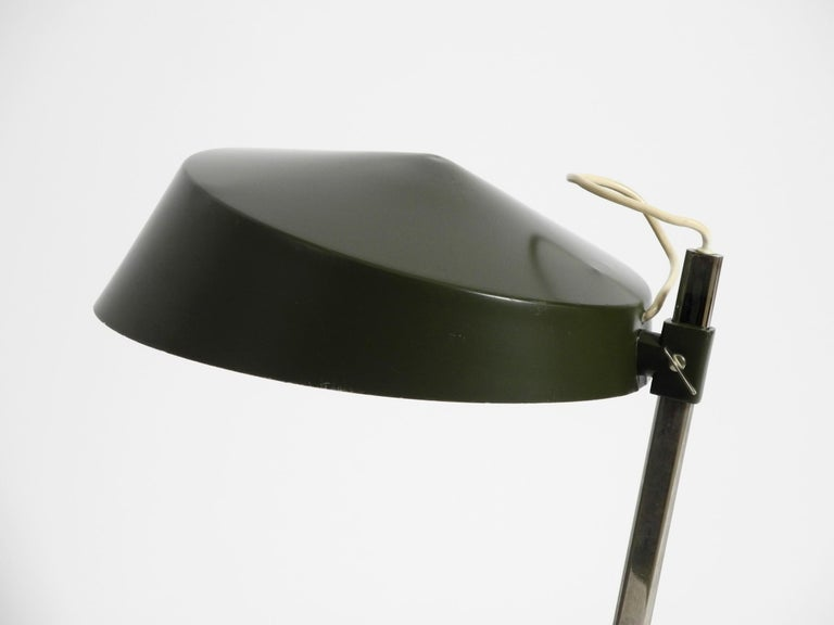 Large 1960s Industrial Aluminum Table Lamp with Height-Adjustable Shade For Sale 8