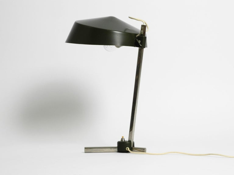 Large 1960s Industrial Aluminum Table Lamp with Height-Adjustable Shade For Sale 13