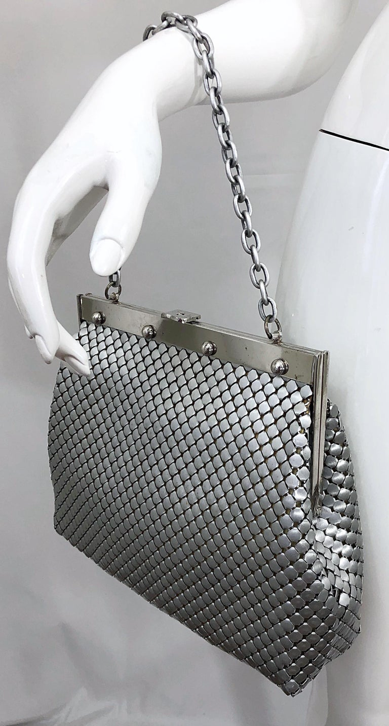 Large 1960s Whiting & Davis Silver Chainmail 60s Hand Shoulder Bag Mod Purse For Sale 8