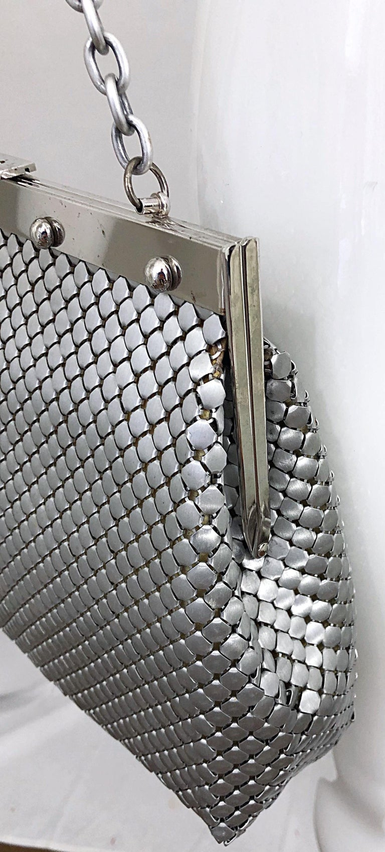 Large 1960s Whiting & Davis Silver Chainmail 60s Hand Shoulder Bag Mod Purse For Sale 4