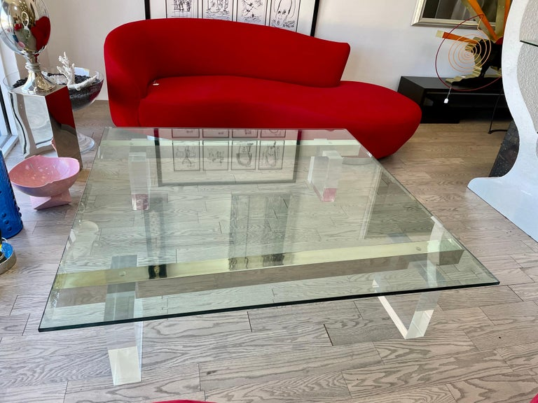 Large 1980s Lucite and Steel Coffee Table In Good Condition For Sale In Miami, FL