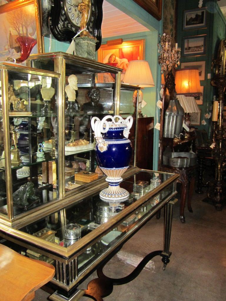 Large Meissen Porcelain Gilt Cobalt Vase Urn Centerpiece Decorative LA For Sale 1