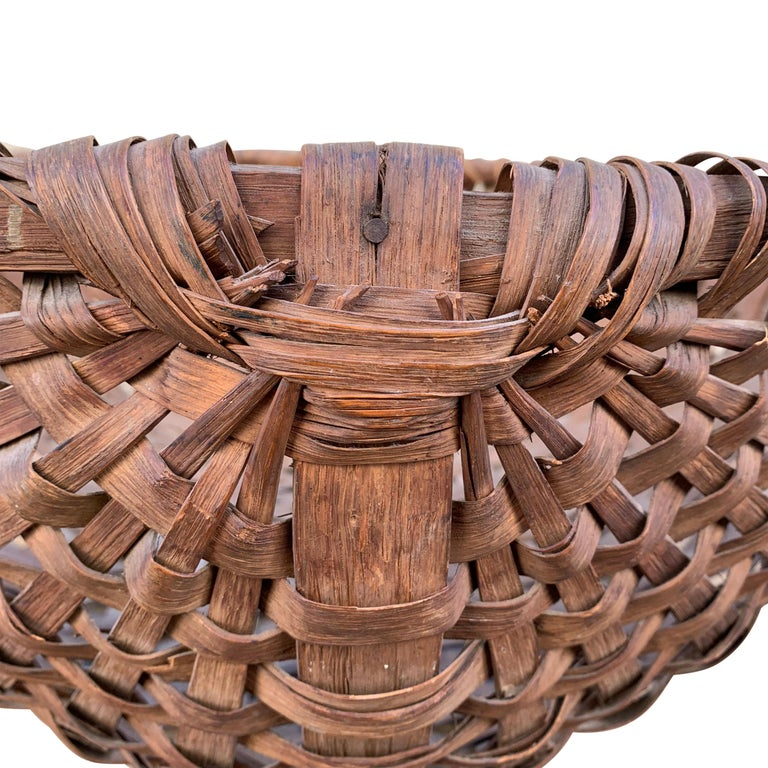 Oak Large 19th Century American Spale Gathering Basket For Sale