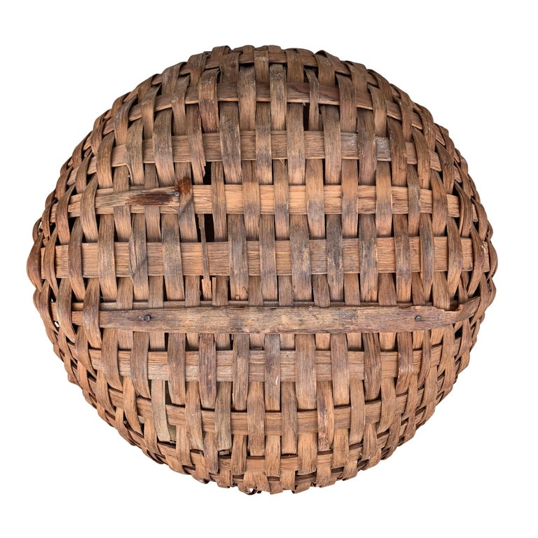 Large 19th Century American Spale Gathering Basket For Sale 3