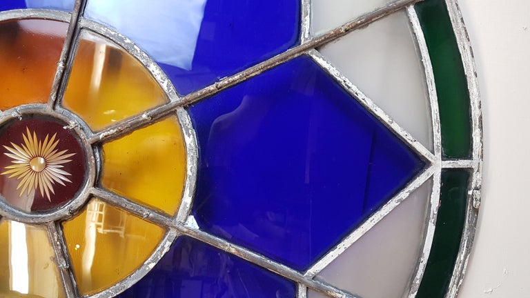 Large 19th Century Convex Stained Glass Window In Distressed Condition For Sale In Bodicote, Oxfordshire
