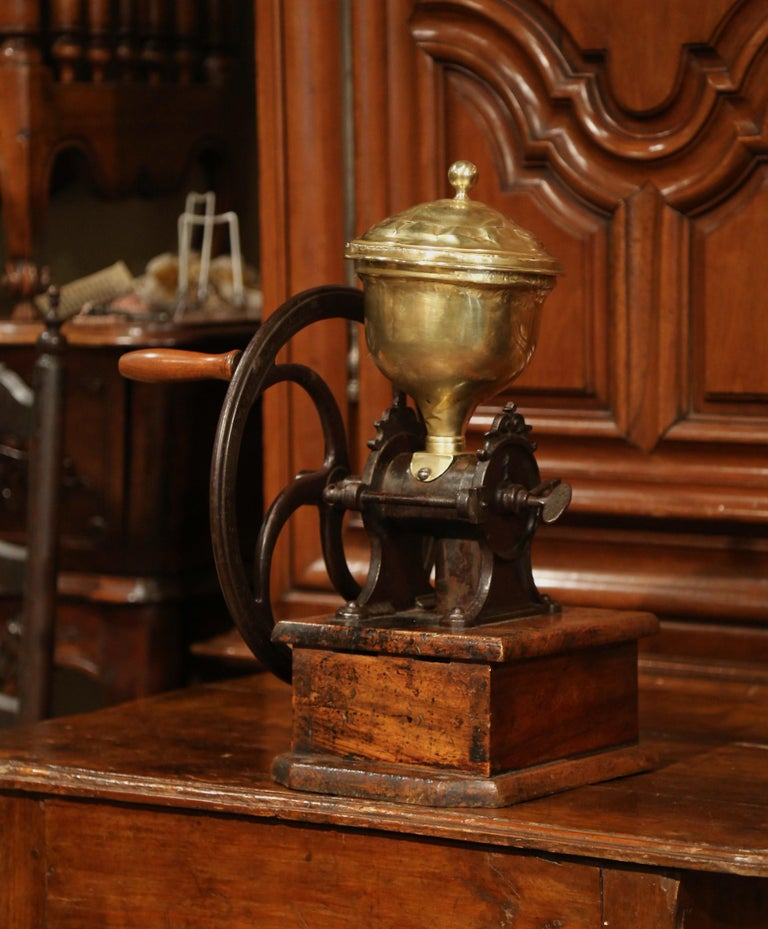 Large 19th Century French Walnut Iron and Brass Coffee Grinder For Sale 1