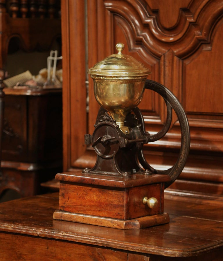 Large 19th Century French Walnut Iron and Brass Coffee Grinder For Sale 2