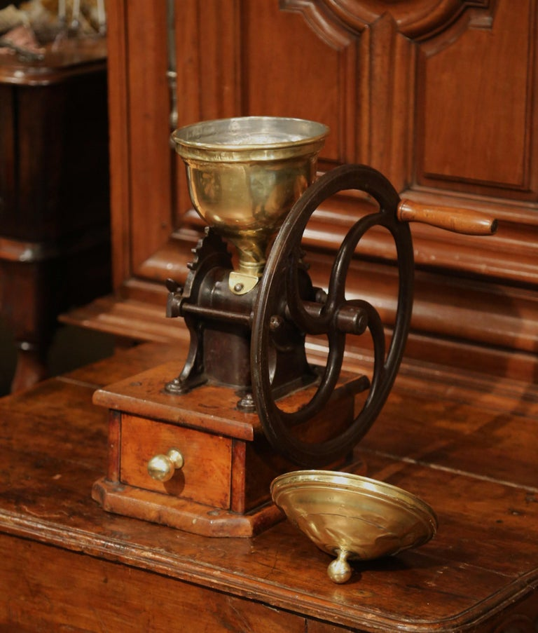 Large 19th Century French Walnut Iron and Brass Coffee Grinder For Sale 4