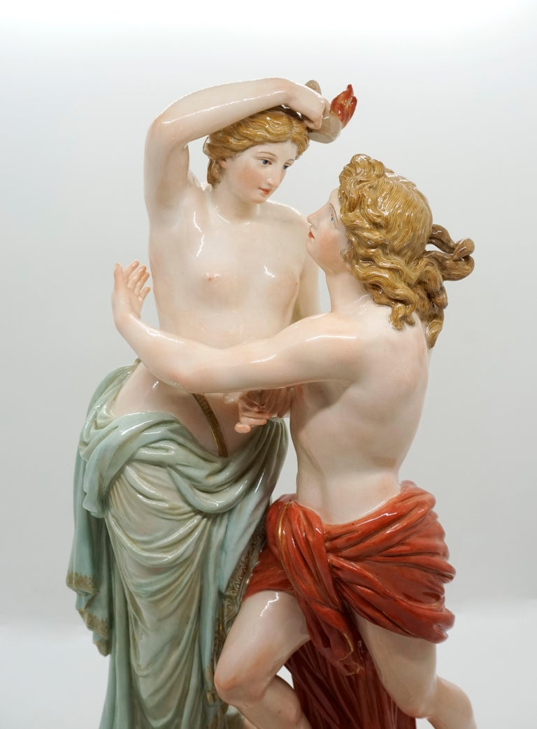 Large 19th Century Mythological Meissen Group 'Hero and Leander' by Juechtzer In Excellent Condition For Sale In Vienna, AT