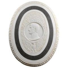 19. Jahrhundert Großes Ovales Marmorrelief des römischen Kaiser Claudius mit Adler