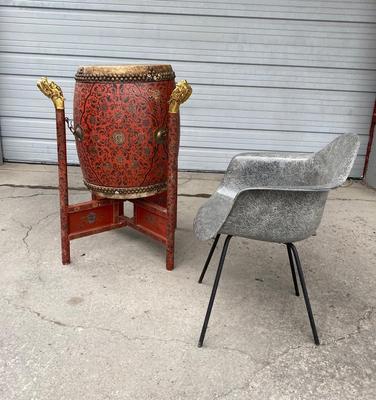Large 19th Century Qing Dynasty Chinese Ceremonial Lacquered Drum, Dragon Stand For Sale 9