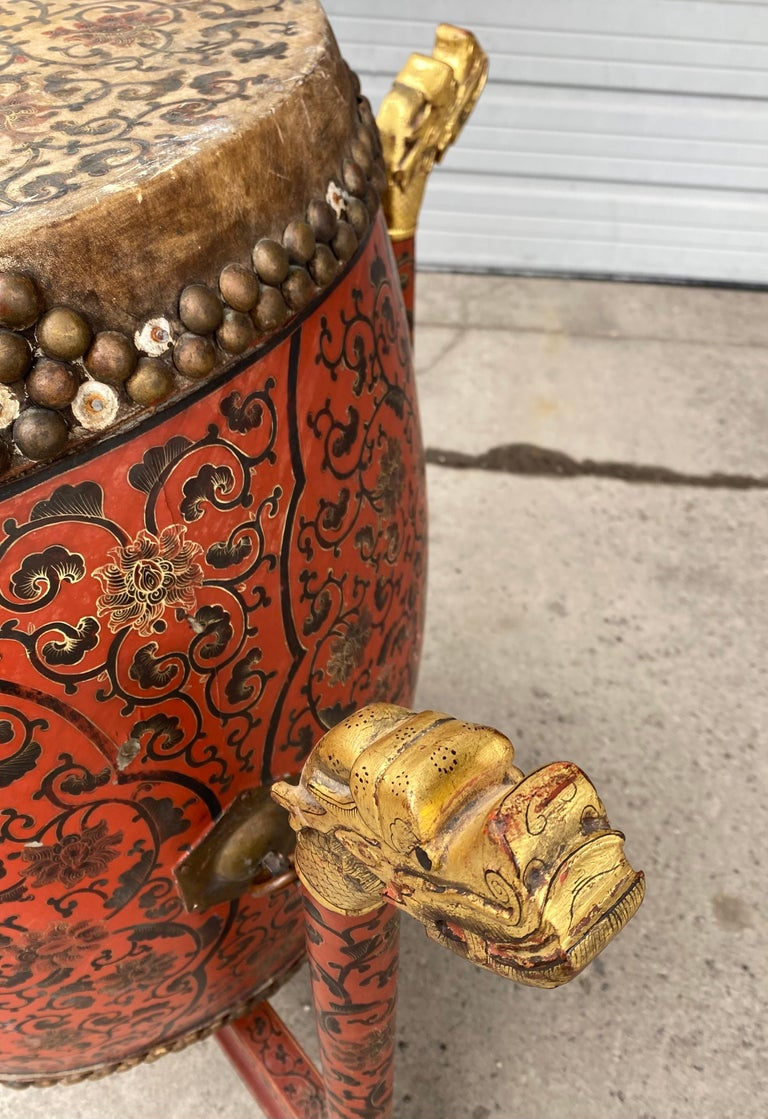 Large 19th Century Qing Dynasty Chinese Ceremonial Lacquered Drum, Dragon Stand In Good Condition For Sale In Buffalo, NY