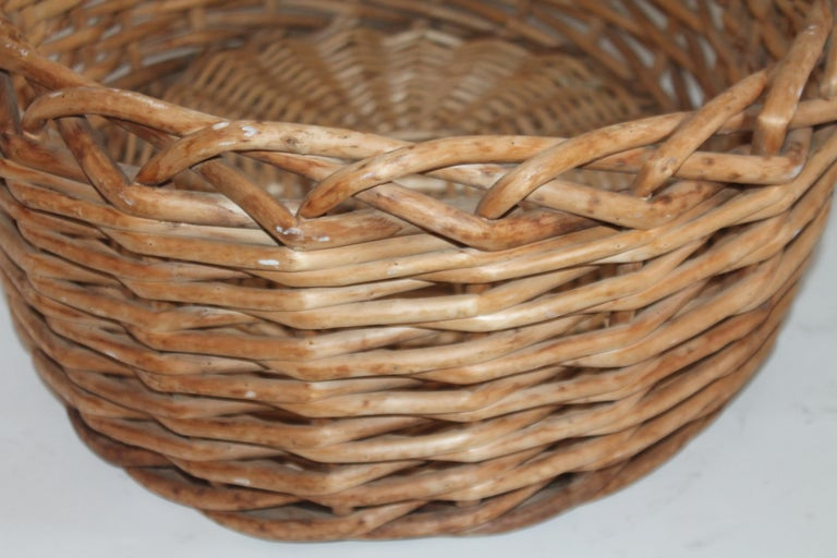 Large 20th Century Rustic Basket In Good Condition For Sale In Los Angeles, CA