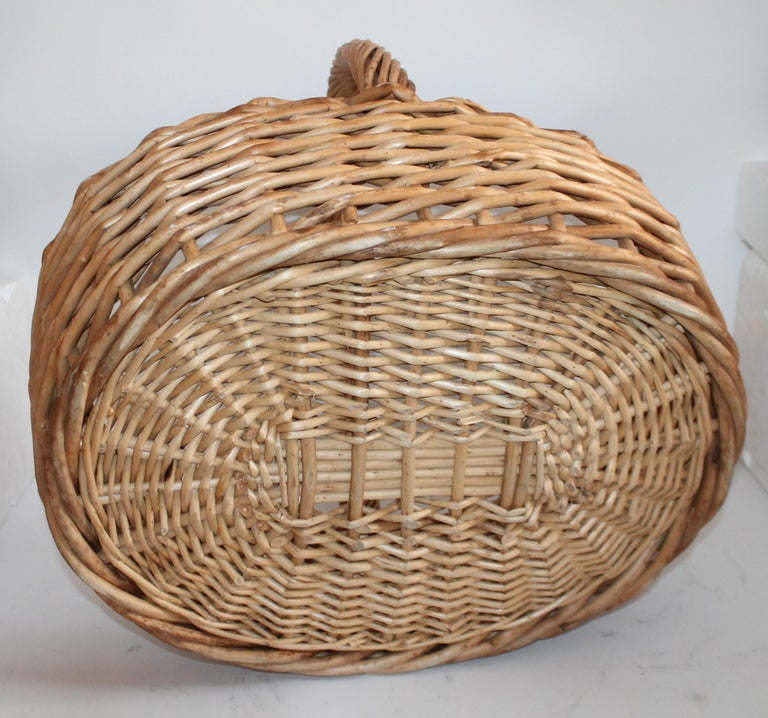 Large 20th Century Rustic Basket For Sale 1