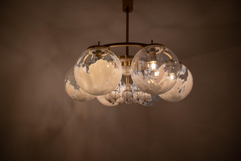 Large Midcentury Hotel Chandelier, in Brass and Decorated Art Glass For Sale 5