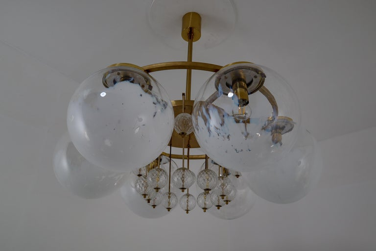 Large Midcentury Hotel Chandelier, in Brass and Decorated Art Glass For Sale 7