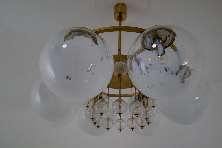 Large Midcentury Hotel Chandelier, in Brass and Decorated Art Glass For Sale 9