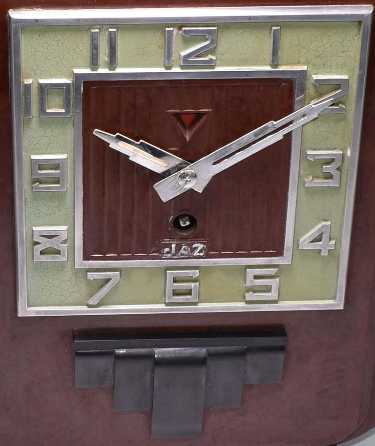 French Large and Impressive 1930s Art Deco Red Bakelite Mantel Clock by JAZ For Sale