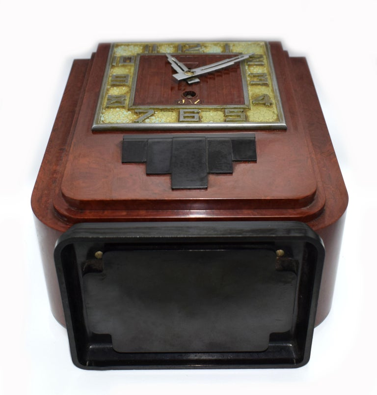 Large and Impressive 1930s Art Deco Red Bakelite Mantle Clock by JAZ In Good Condition For Sale In Devon, England