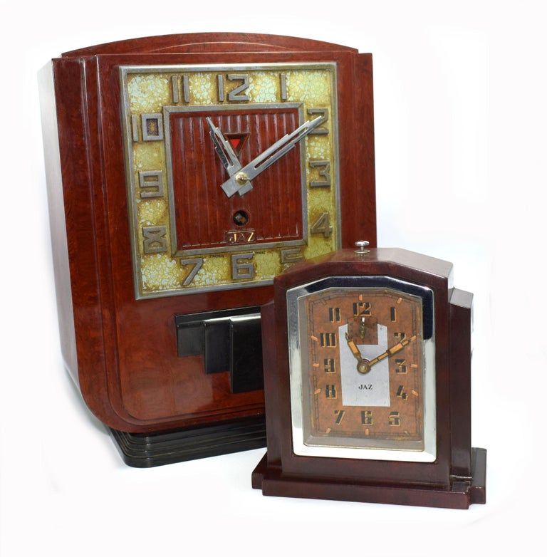 Large and Impressive 1930s Art Deco Red Bakelite Mantle Clock by JAZ For Sale 2