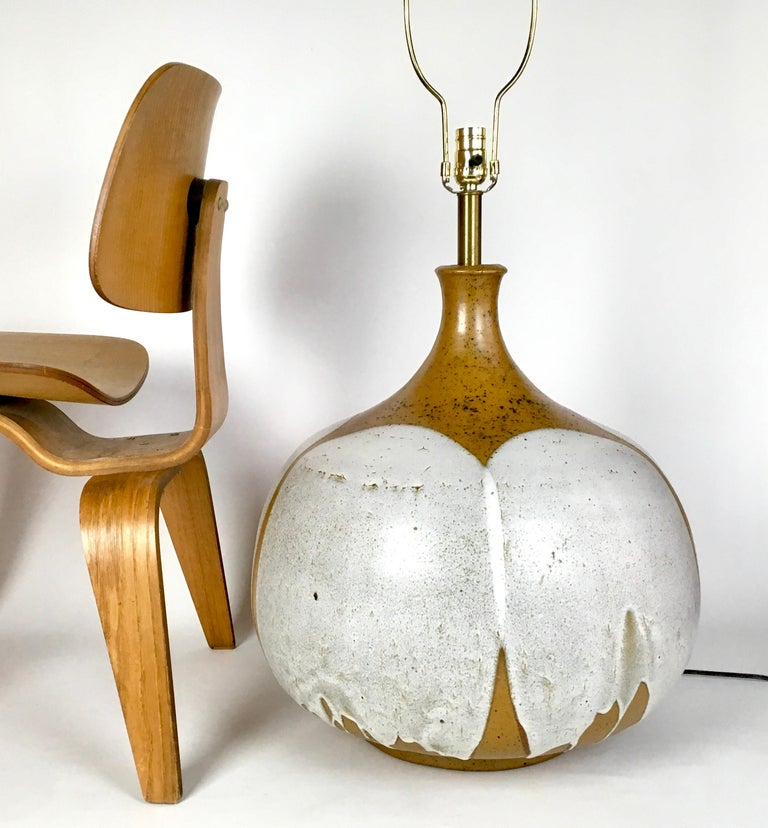 Large and Monumental Midcentury David Cressey Pottery Ceramic Lamp In Good Condition For Sale In Haddonfield, NJ