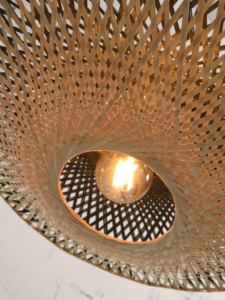 Large and Round Rattan Wall Light In New Condition For Sale In Halluin, FR