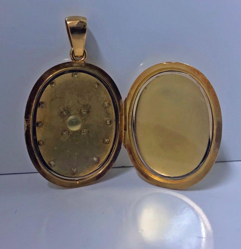 Large Antique 18 Karat Diamond Pendant Locket, circa 1860 For Sale 1