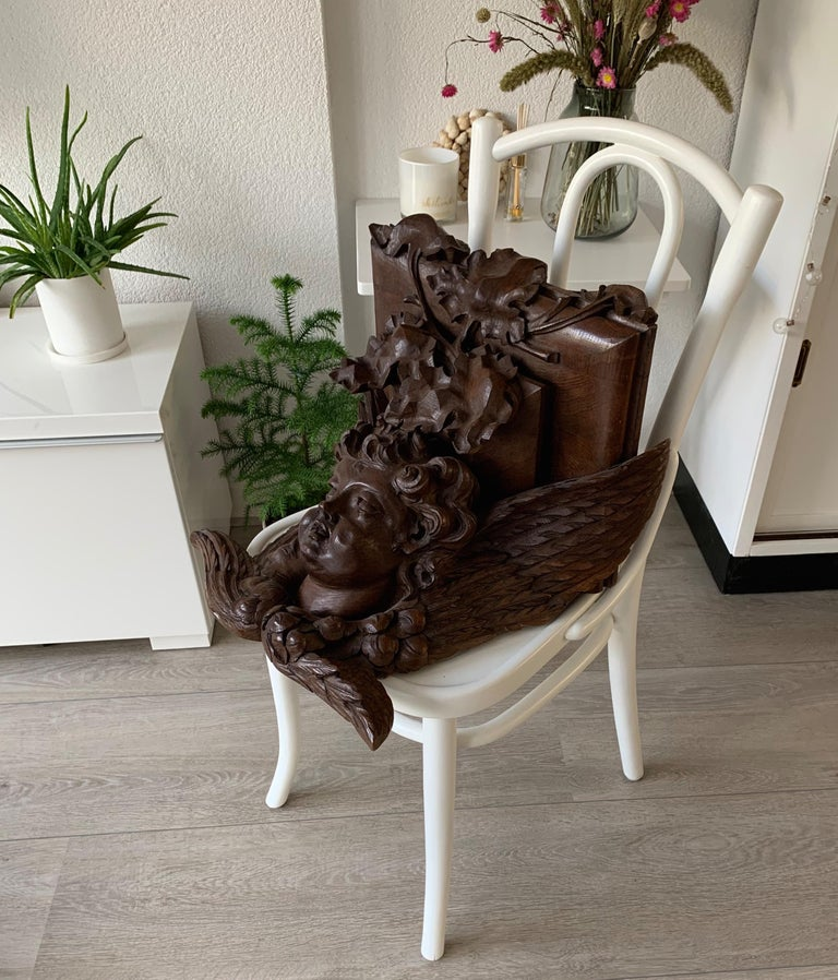 Large size and Top Quality Gothic Art Wall Bracket or Shelf with Angel or Putto For Sale 5