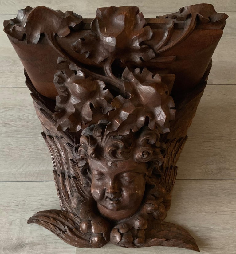 Large size and Top Quality Gothic Art Wall Bracket or Shelf with Angel or Putto For Sale 6