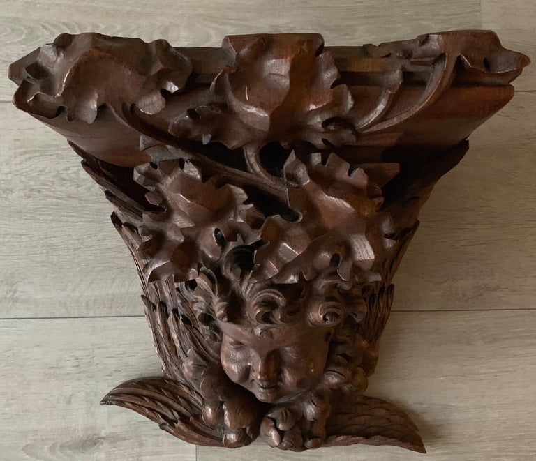 Large size and Top Quality Gothic Art Wall Bracket or Shelf with Angel or Putto For Sale 7