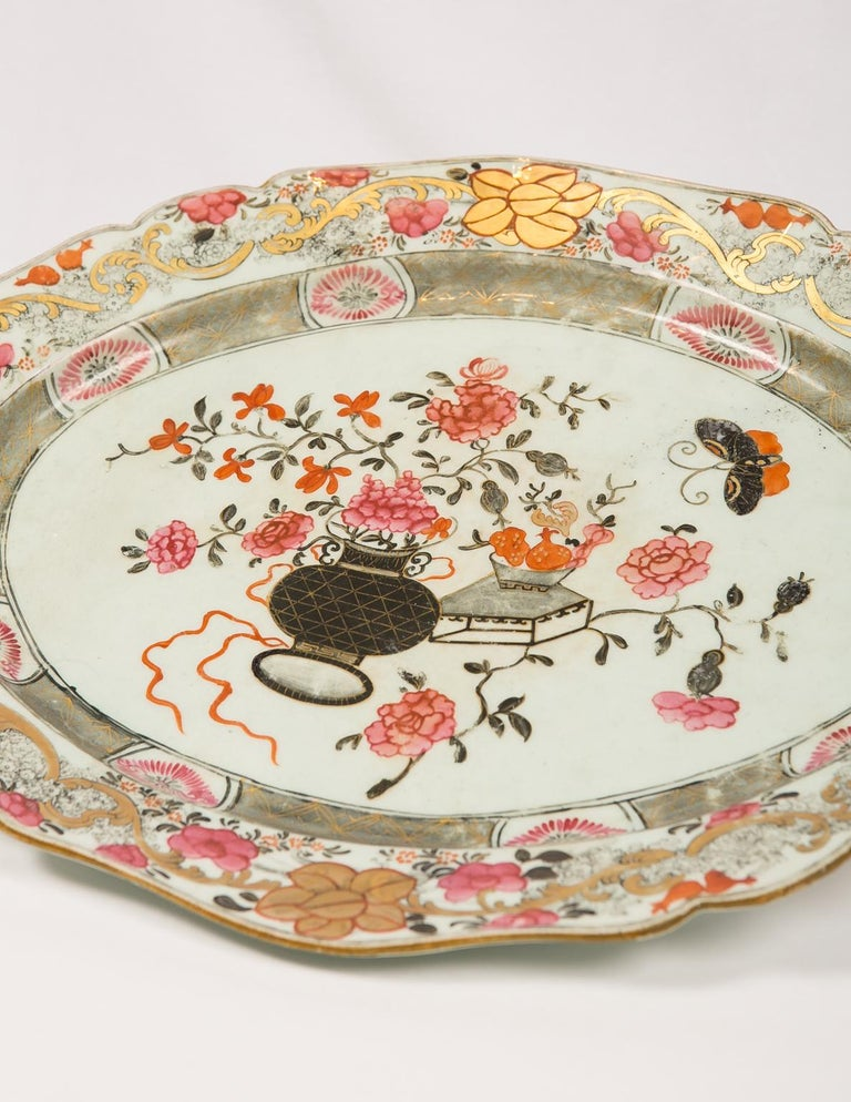 Large Antique Chinese Porcelain Platter Qing Dynasty,  Mid 19th Century For Sale 5